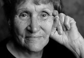 « La vieillesse peut devenir une parure, sans être une abdication. » de Louis Barthou